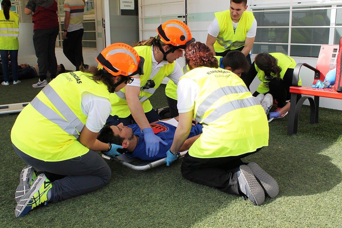 Los alumnos del Grado Medio de Técnico en Emergencias Sanitarias realizan las clases prácticas en nuestro instituto de Murcia.